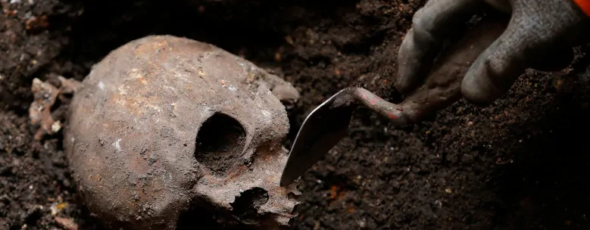 An archaeologist in London, U.K., digs out skeletons CBC News   James Alexander Michie